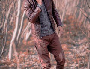 Modne kurtki męskie – najciekawsze warianty prosto z wyprzedaży